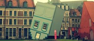 maison renversée